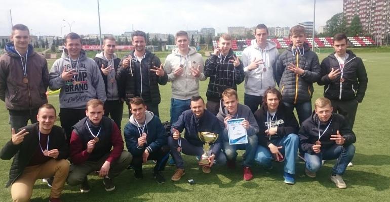 Brązowy medal piłkarzy AZS PWSZ Sanok! (ZDJĘCIA)